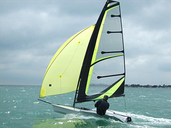 RS-100-singlehanding-dinghy